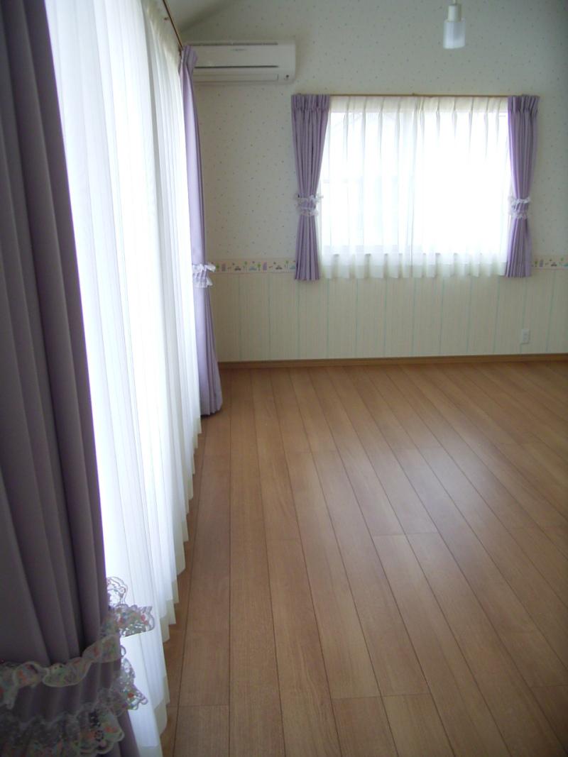 $秦 美穂子 のブログ-子供部屋カーテン施工例1